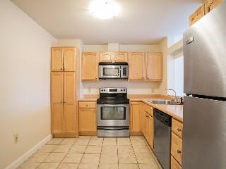 1443 Beacon St Kitchen
