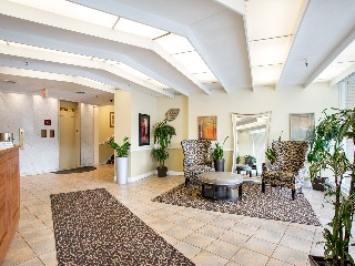 1530 Beacon St Luxury Apartments
