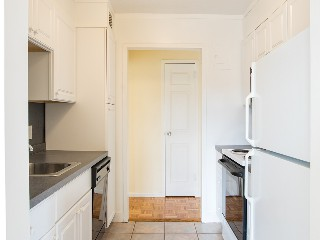 1530 Beacon St Kitchen